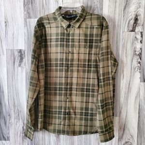Under Armour Plaid Long Sleeve Button Front Shirt
